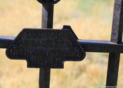 71907 Lima cemetary fence sign 8997_MontanaPictures_Net