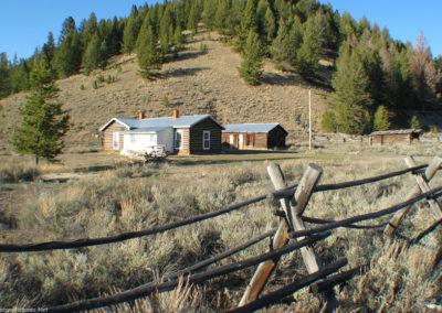 32804 BHole cabin junction_MontanaPictures_Net