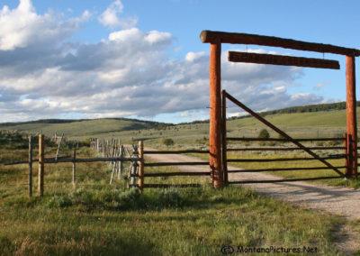 61907 marche creek 2905 gate_MontanaPictures_Net